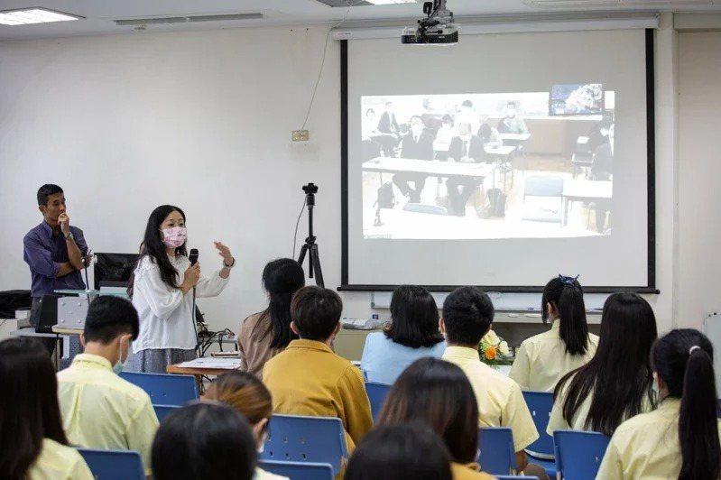 圖為羅東高中與長野縣須坂高校線上交流。圖/教育部提供