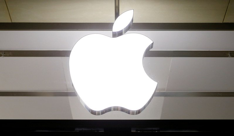 市場傳出,蘋果持續強化iPhone光學應用,不僅要在高階機種持續採用光達(LiDAR),也將在不久後首度導入潛望式鏡頭,穩懋、大立光、玉晶光等相關供應商在蘋果鏈的地位將大幅提升,成為大贏家。(路透)