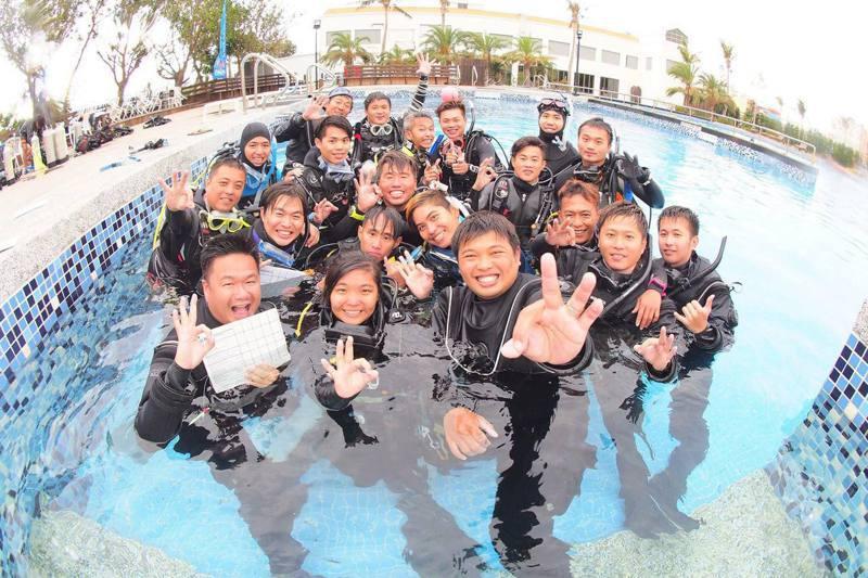 台灣規模最大的潛水店台灣潛水最近推出線上預購,在老顧客熱情訂購相挺下,補足停業零收入的資金缺口。圖/台灣潛水提供
