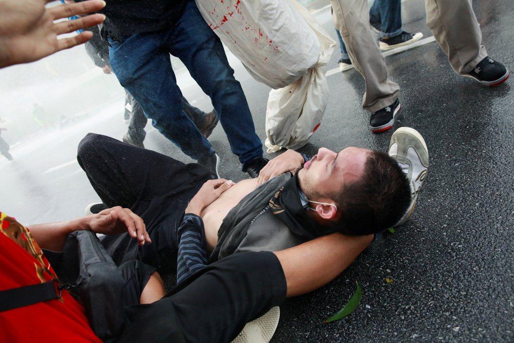 2020年10月開始,警方逐漸加強掃蕩力道,大力鎮壓集會、拘留抗議領袖,泰國進一...