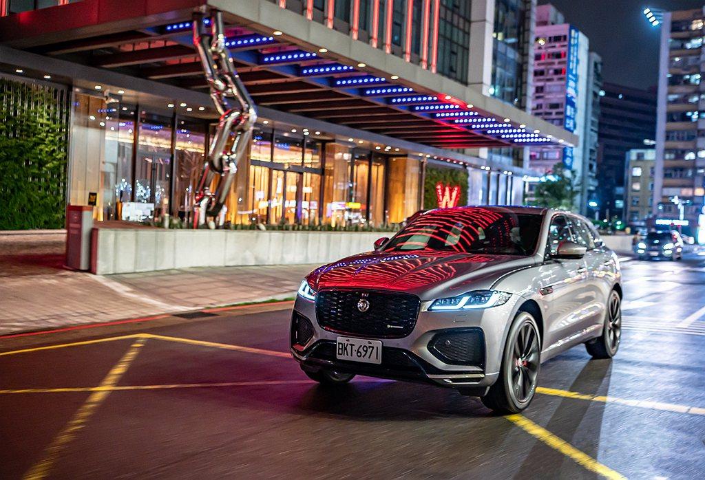 Jaguar F-Pace全面搭載高階LED燈組,以Double J造型LED日...
