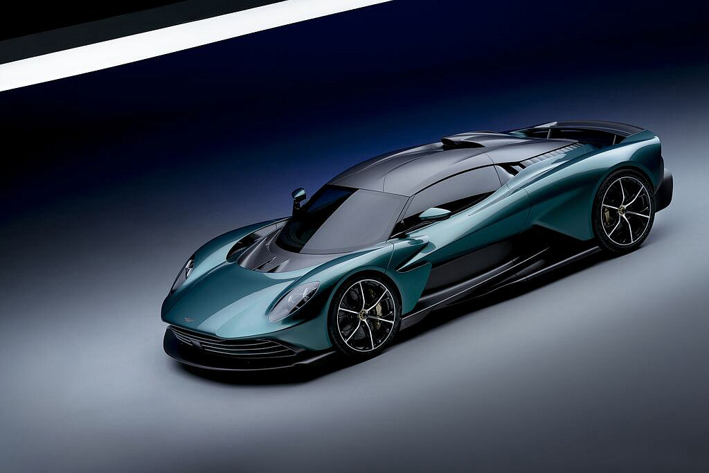 Valhalla成就Aston Martin品牌新高度,憑藉可輸出950ps的中...