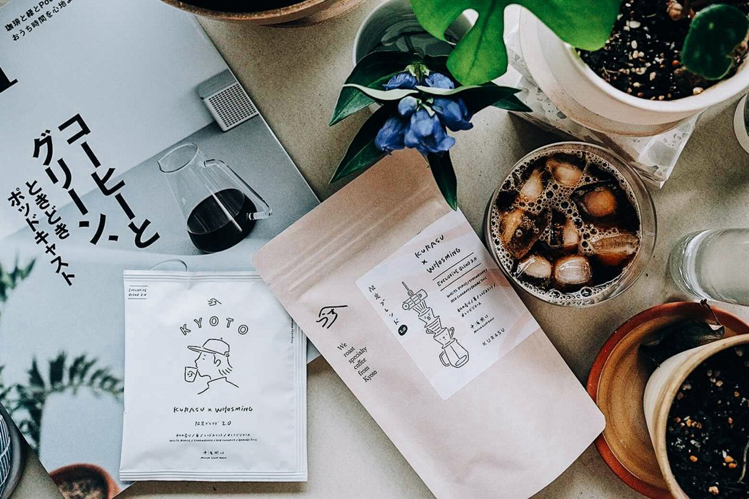 外包裝由WHOSMiNG創作,此次以京都塔結合咖啡濾杯呈現豆袋包裝,濾掛包則速寫...