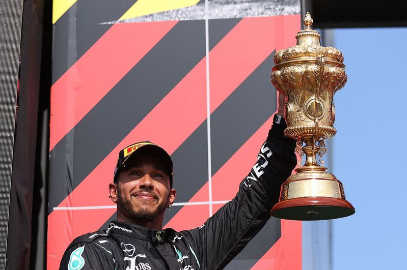 漢米爾頓第8度贏得英國大獎賽冠軍。 法新社