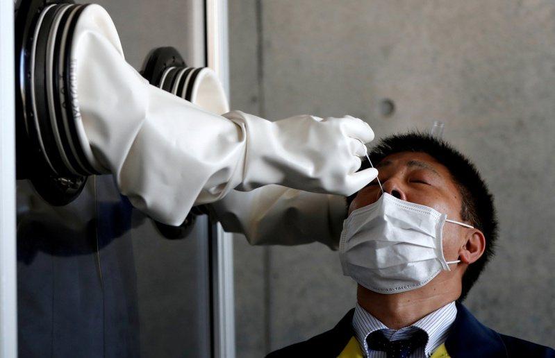 日本島津製作所(Shimadzu)開始販售能偵測Delta變種病毒的PCR檢測試劑。路透