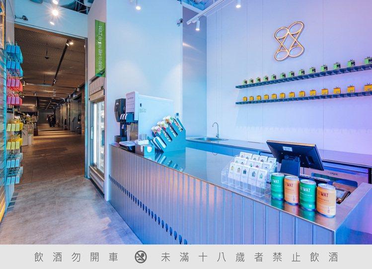WAT將環保概念運用在台中店面設計,將WAT友善環境的堅持傳遞給顧客,努力履行企...
