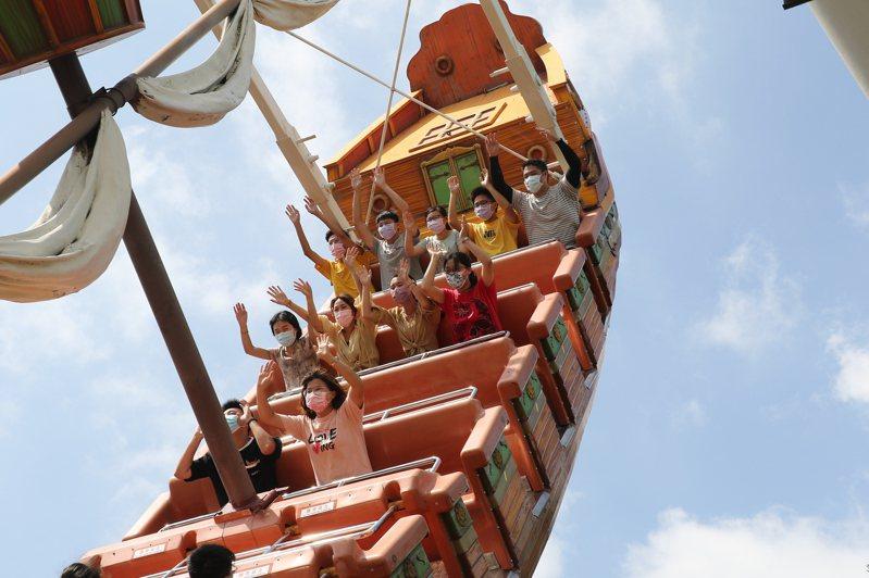 麗寶樂園推出季票買3個月送3個月的優惠。圖/麗寶樂園提供
