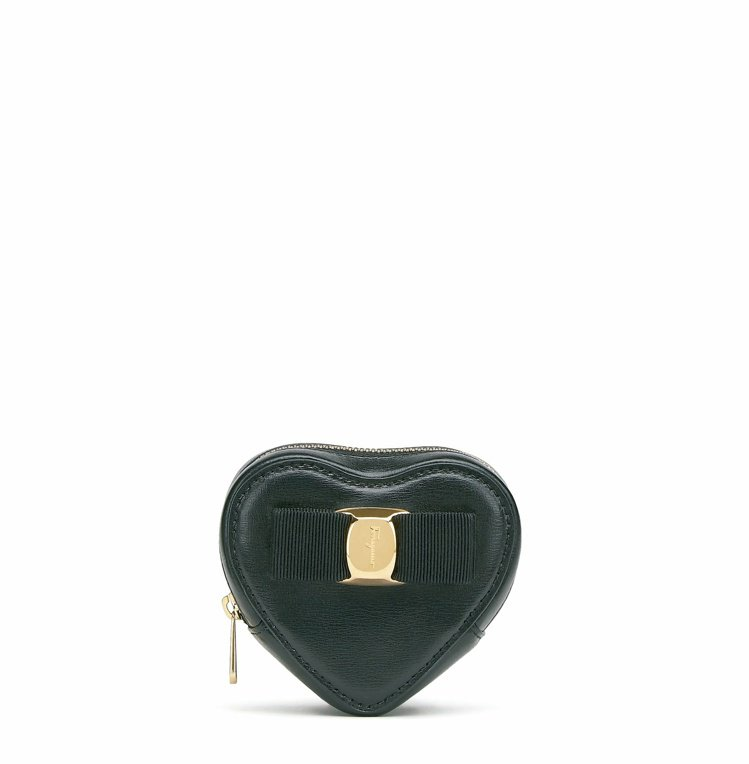 黑色牛皮心型零錢包,13,500元。圖/Salvatore Ferragamo提...