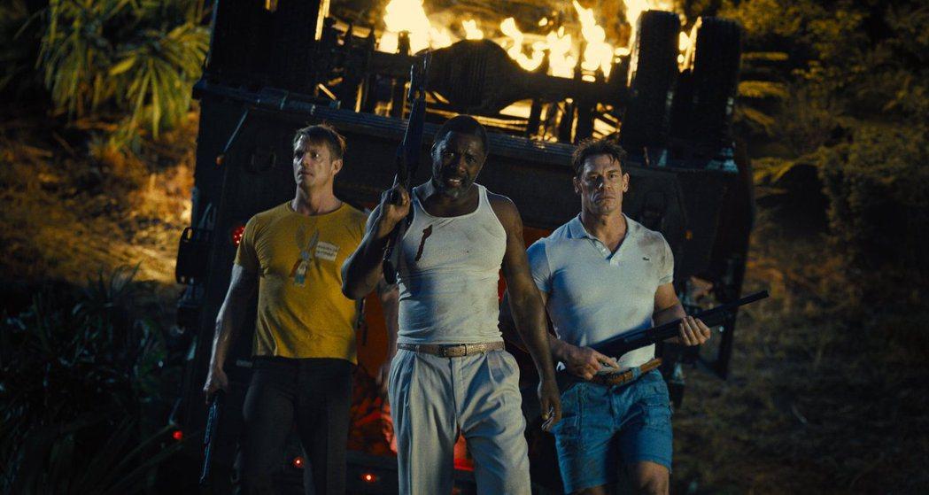 喬爾金納曼(左起)、伊卓斯艾巴以及約翰希南是「自殺突擊隊:集結」的三大猛男。圖/