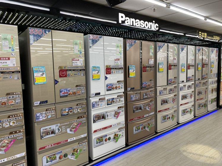 安心居家自煮,大尺寸冰箱現賺千元,再享延長保固、政府退稅回饋。圖/燦坤提供