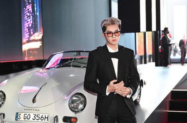 大陸藝人是保持捷中國賽車跑車的第一位代言人。(新浪微博照片)