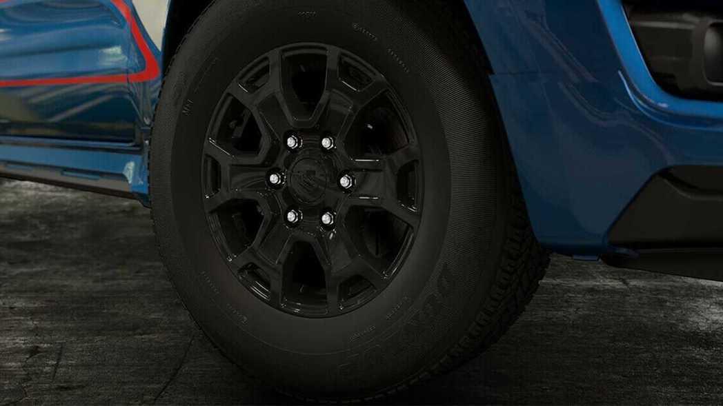 16吋亮黑色的輪圈。 圖/Ford Thailand提供