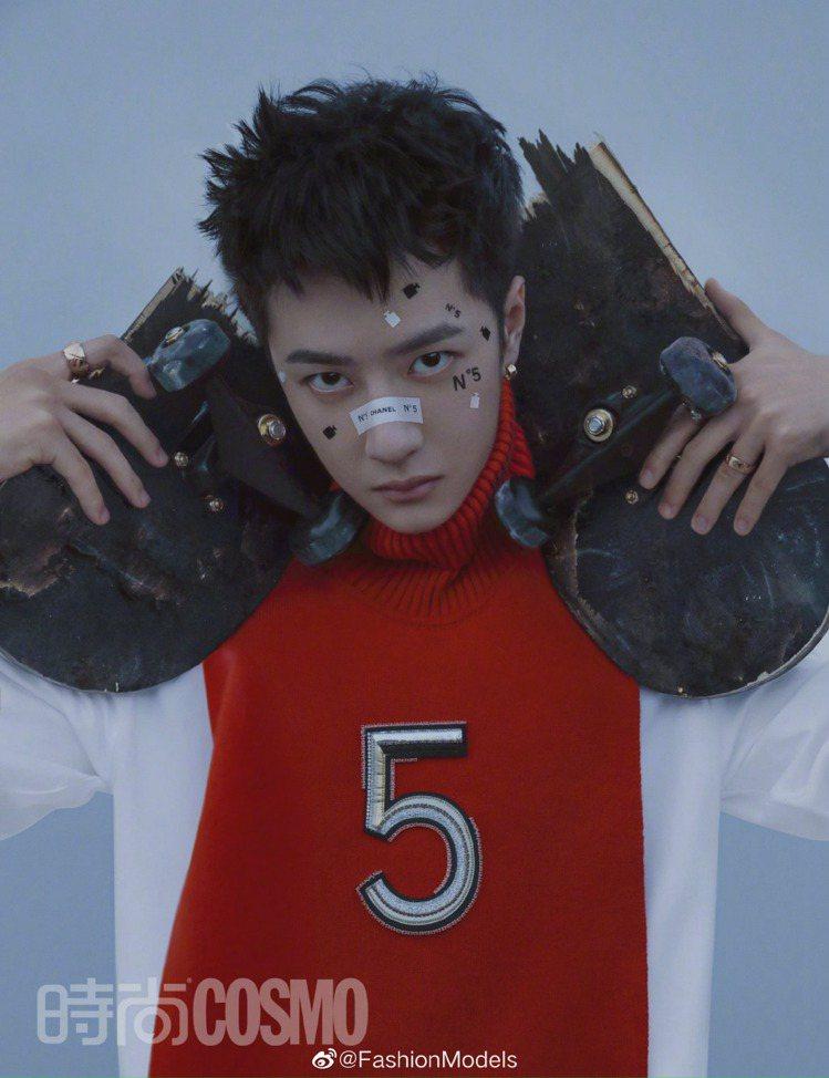 王一博變身5號男孩。圖/摘自微博