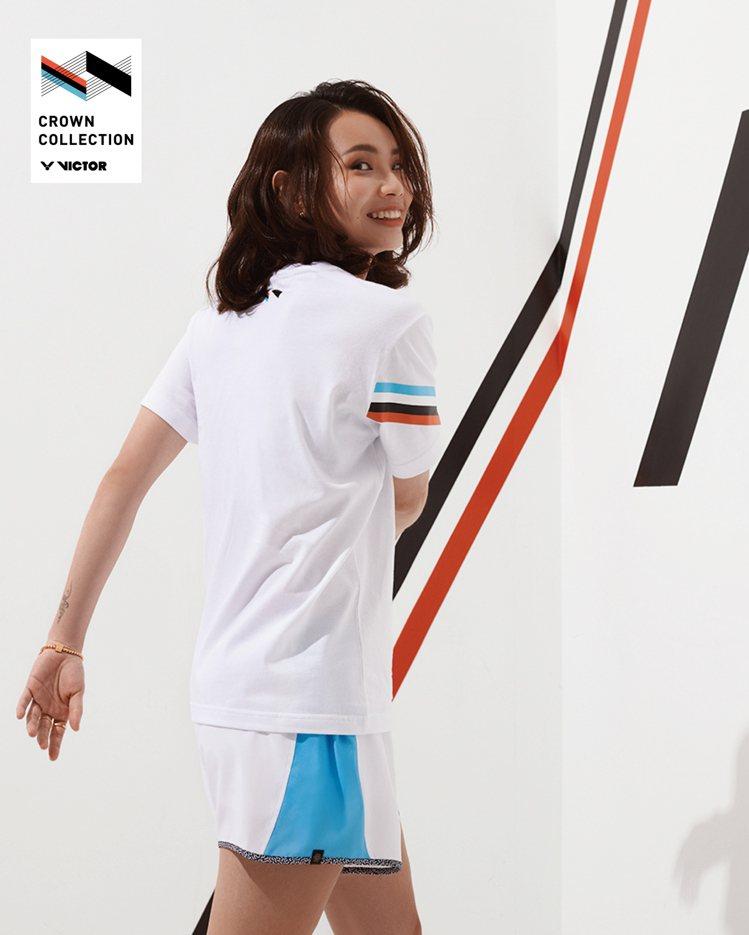 戴資穎詮釋VICTOR CROWN系列新款服飾,展現有別於球場上的樣貌。圖/VI...