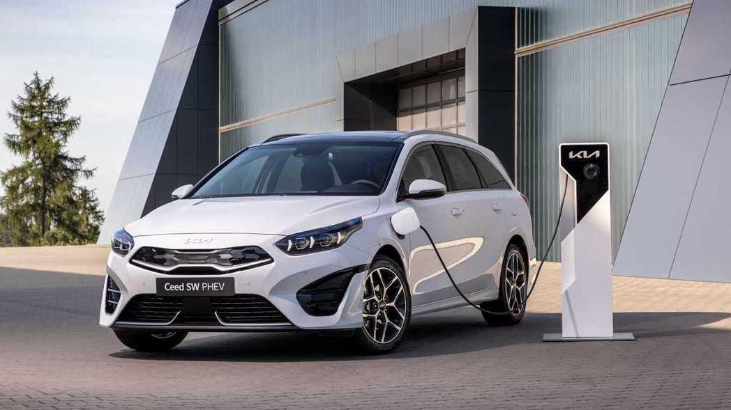小改款Kia Ceed Sportswagon依然保留原有的PHEV插電車型。 ...