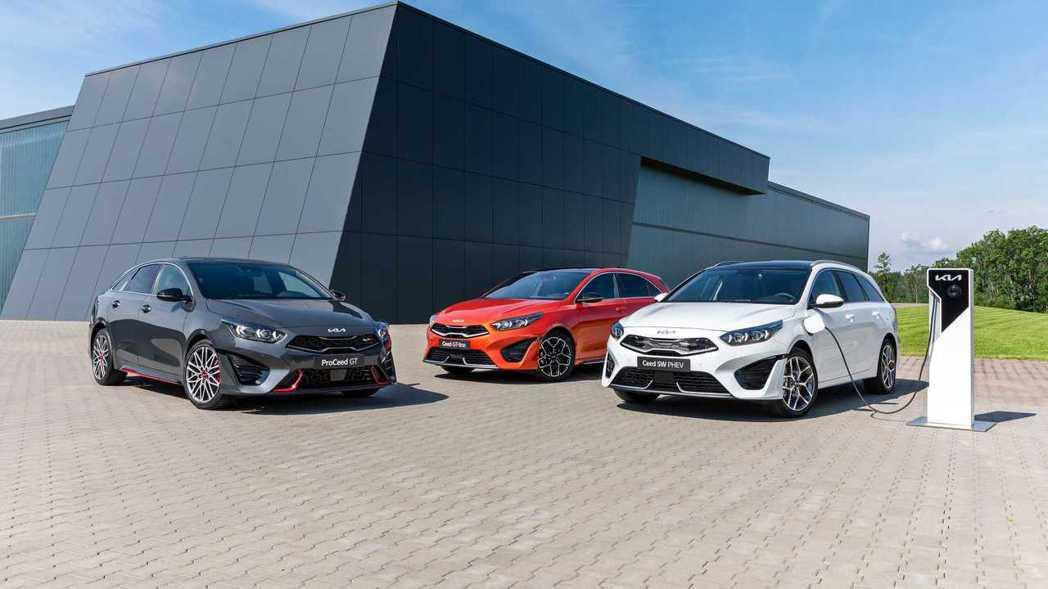 小改款Kia Ceed家族除了XCeed尚未公開外,其餘三款車型將在八月正式投產...