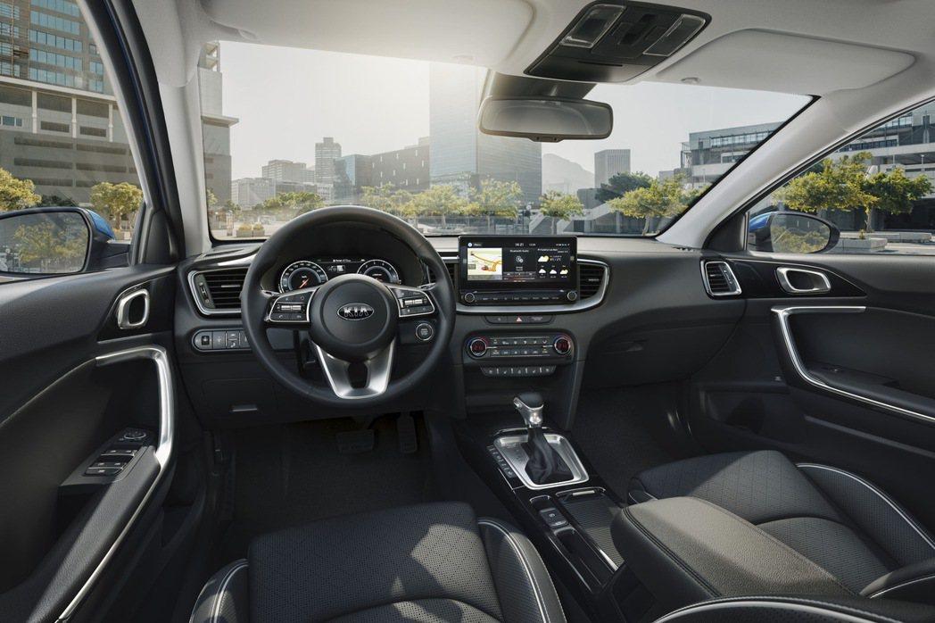 KIA 首款導入歐洲原裝進口旅行車Ceed Sportswagon不僅外型亮眼,...