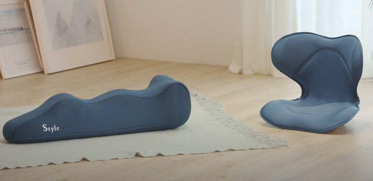 ▲白天工作時使用Style SMART美姿調整椅,睡前使用Recovery po...
