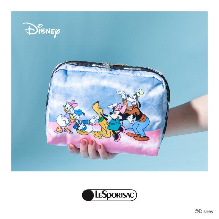 LeSportsac x Disney化妝包,2,450元。圖/LeSports...