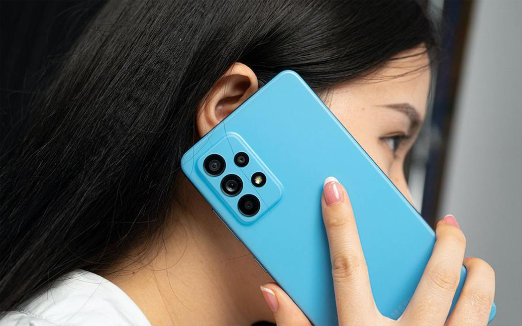 三星Galaxy A52 5G(8+256G)蟬聯六月安卓最賣手機。 傑昇通信/...