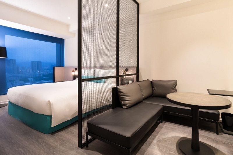 台北凱達大飯店原價15,800元的精緻套房,使用東奧主題一泊二食專案,每房3,1...