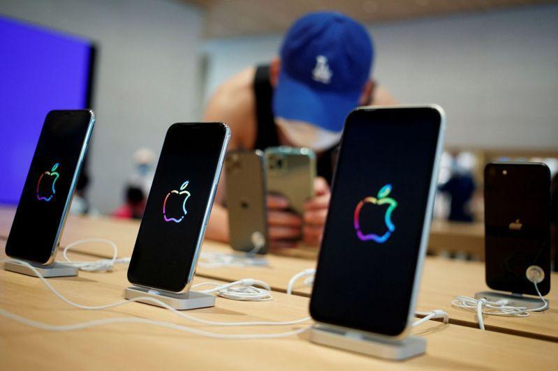 國際特赦組織指出,蘋果iPhone也會遭到駭客軟體攻擊竊取敏感資料。路透