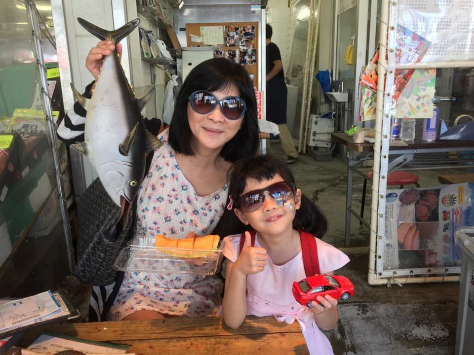 吳淡如(左)很喜歡北海道小樽這地方。圖/摘自臉書