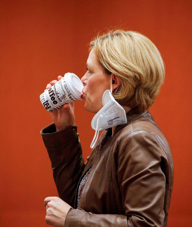 一項最新研究消除人們對「咖啡會導致心悸或心律不整」的擔憂,並證實喝咖啡的習慣會讓...