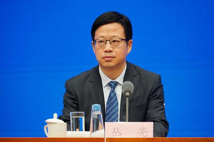 大陸國家發改委副主任叢亮表示,浦東支持措施不是要形成「政策窪地」,而是要構築高水...