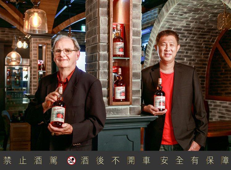 隼昌董事長金碙珉(Jim Cumming)(左)及董事總經理鄭國隆(Gary)。...