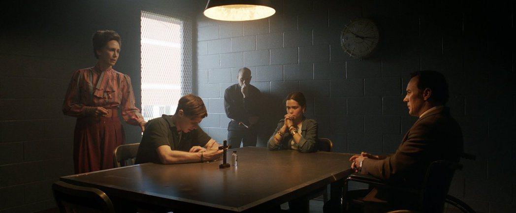 「厲陰宅3:是惡魔逼我的」是疫情微解封後首部正式上映的恐怖強片。圖/華納兄弟提供