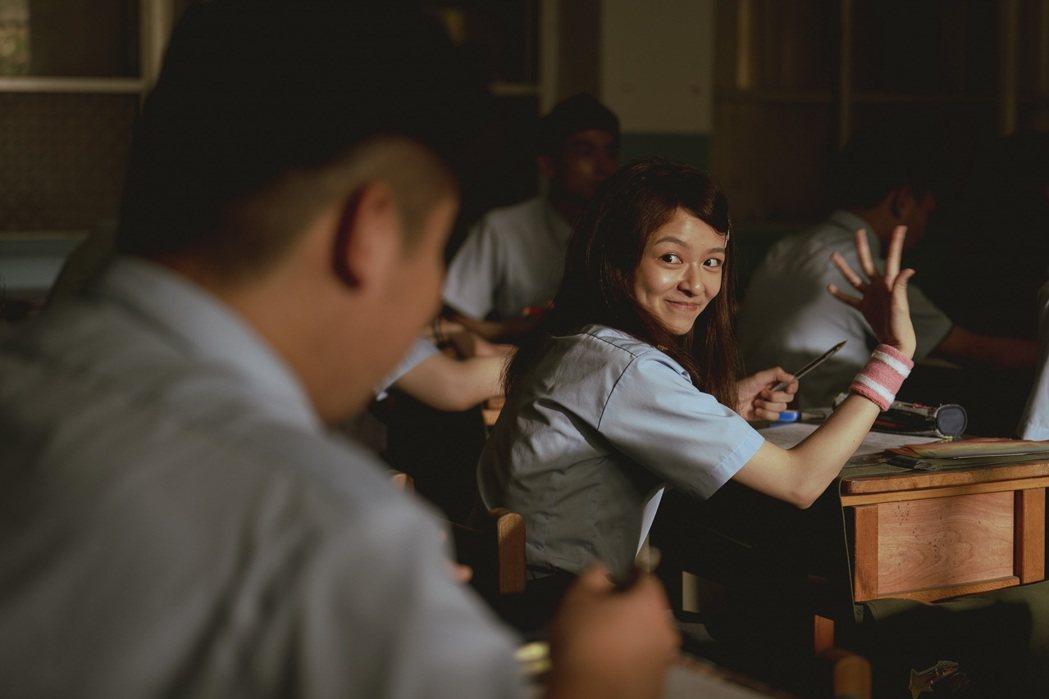 陳姸霏在「池塘怪談」劇中是班上的女神。圖/金盞花大影業提供