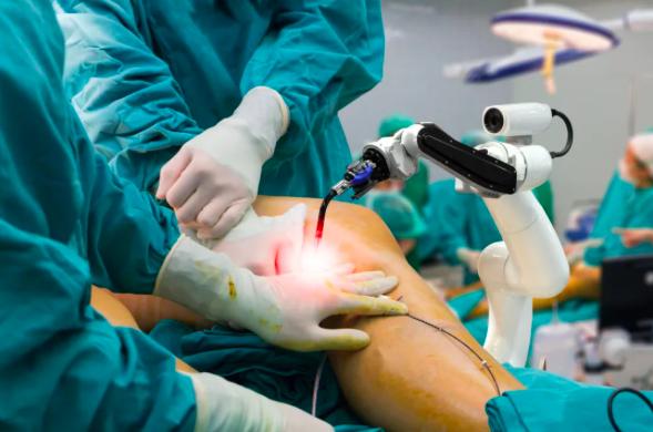 大陸骨科手術機器人熱度持續升溫,相關醫療器材市場如火如荼。中國新聞周刊