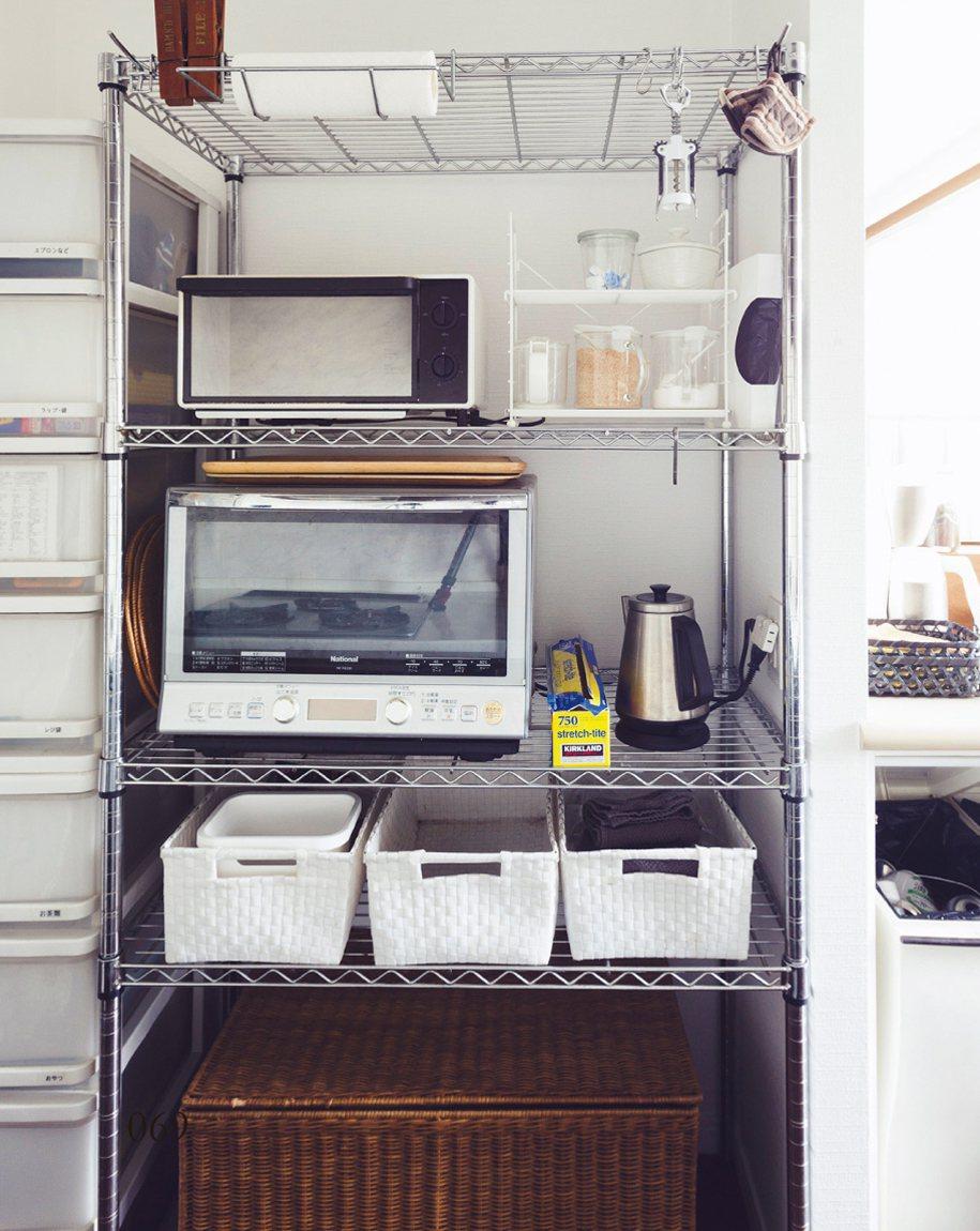 收納盒讓鐵架收納看起來更加清爽。 圖/台灣廣廈授權使用