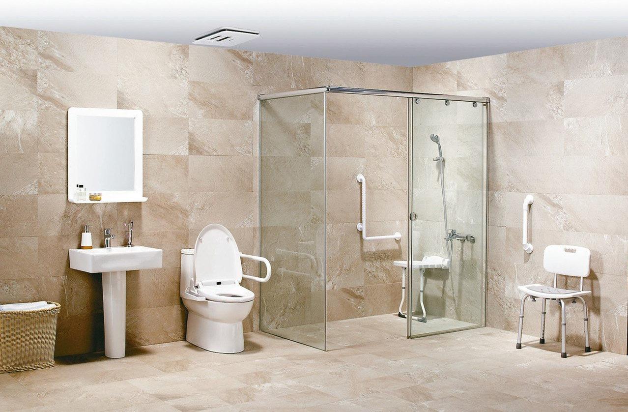 樂齡宅浴室除了增加扶手、增加照明外,降低段差以減少改變姿勢的設計,才能大幅降低跌...