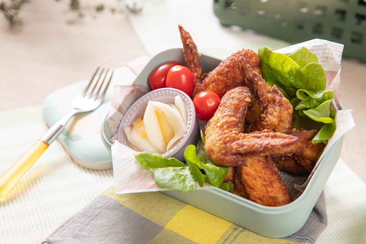 雞翅是很方便料理的食材,隔日中午帶便當、重複加熱一樣美味。 圖/日日幸福出版社提...