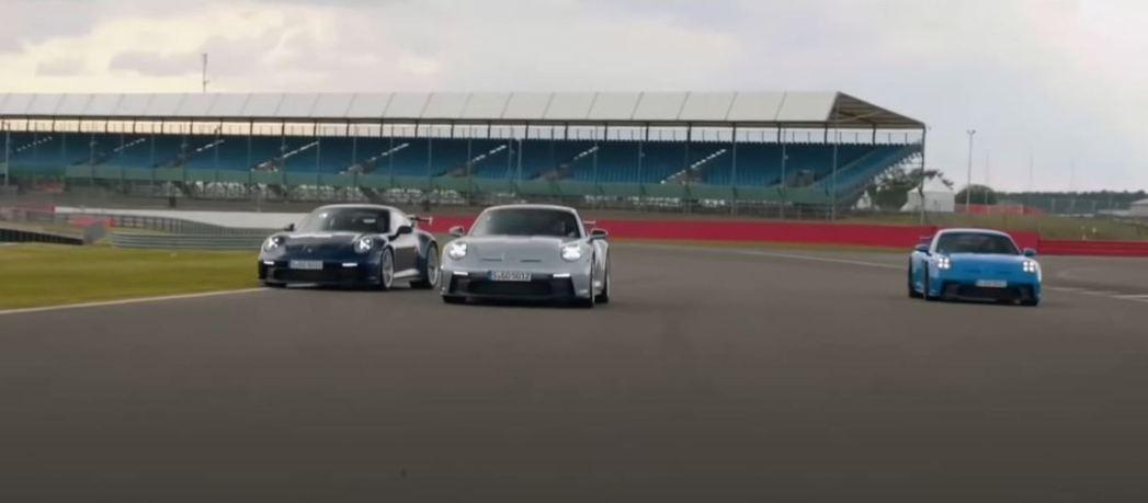 阿湯哥駕駛銀色911 GT3對兩名F1退役車手進行挑戰。 截自SeventySi...