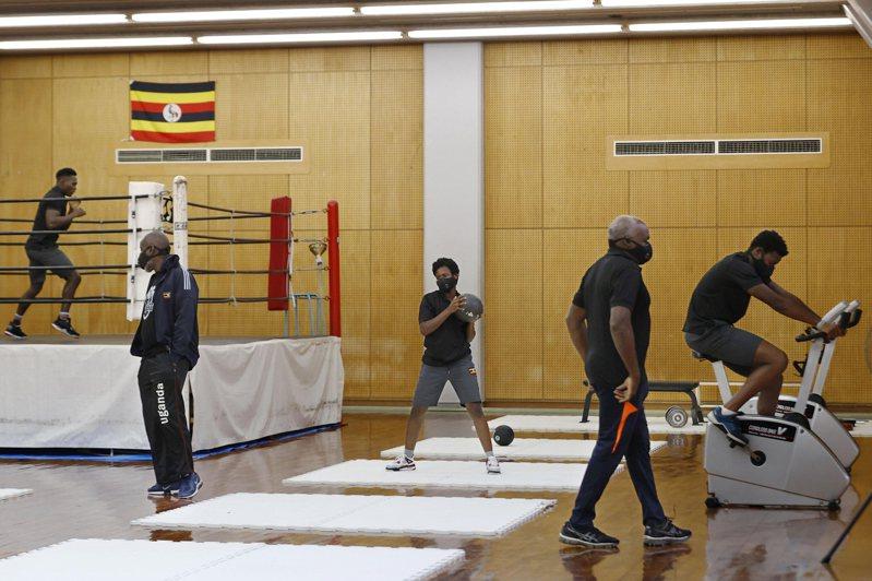 烏干達「落跑」的選手被找到後向警方哭訴想申請難民;但烏干達駐日大使館表示,最快今天就會把他送回國。 美聯社