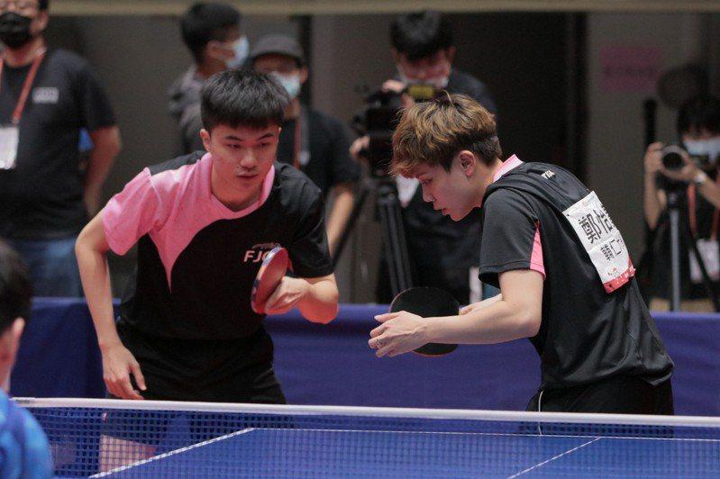 台灣桌球「黃金混雙」林昀儒(左)與鄭怡靜(右)被寄予奪牌厚望。圖/成大提供