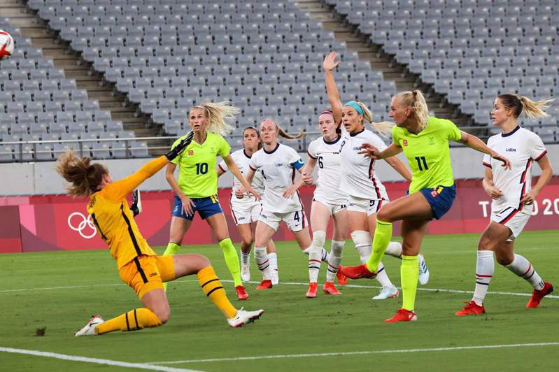 美國女子足球隊在東京奧運首戰未開紅盤,大爆冷門以0比3不敵瑞典隊。 圖/法新社