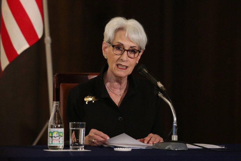 美國國務院今天表示,副國務卿雪蔓將於7月25至26日訪中,屆時她將在天津市與中國國務委員暨外交部長王毅等官員會面。 歐新社