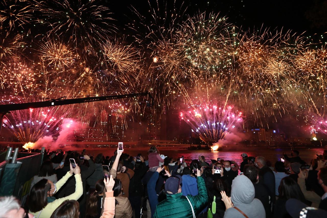 布里斯本將主辦2032奧運 施放煙火民眾大呼興奮