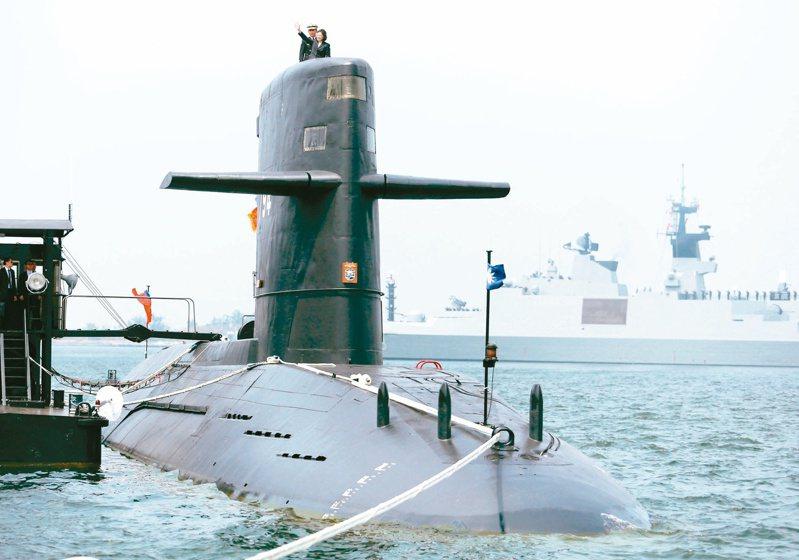 前參謀總長黃曙光接受本報專訪透露,潛艦國造最大的困難,不只是大陸在國際上的政治壓力,更多的是台灣內部自己人扯後腿。本報資料照片
