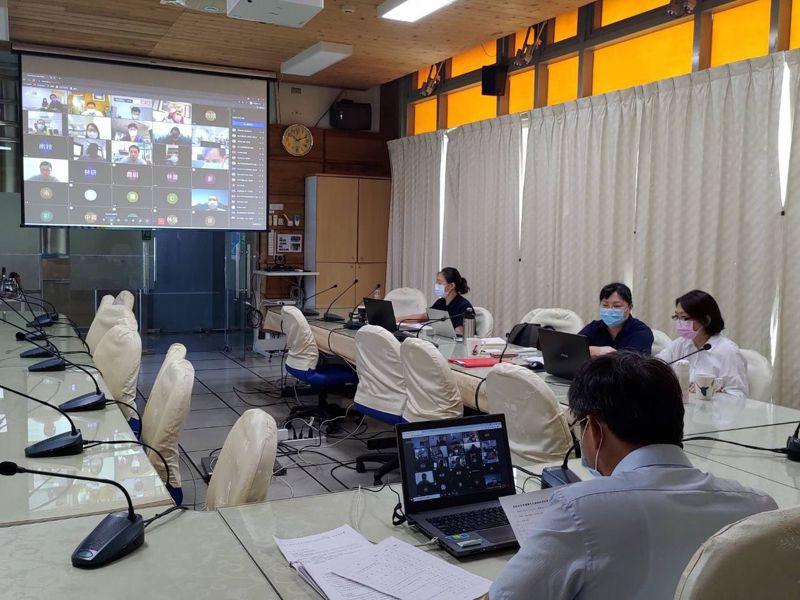 為護育巴氏銀鮈,南投林管處疫情期間仍透過視訊,與14個公私單位召開保育平台會議。圖/南投林管處提供