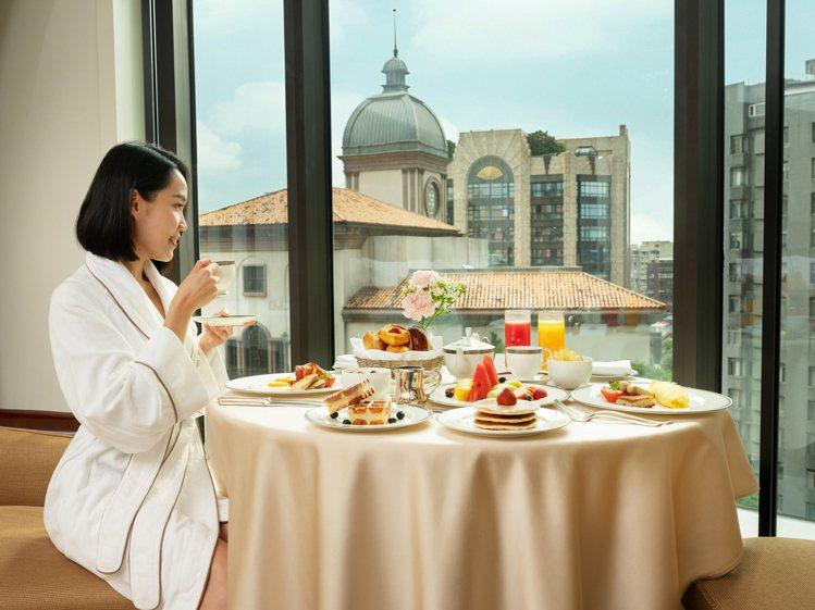 在台北文華東方酒店奢華的氛圍中,來場舒心療癒的「偽出國」食尚饗宴之旅。圖/台北文...