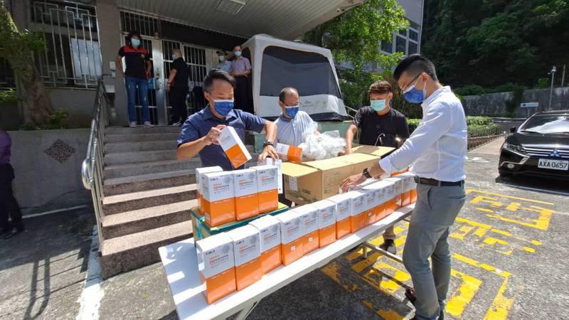 得知基隆看守所需要普篩,民間團體送200份快篩劑協助。記者游明煌/翻攝