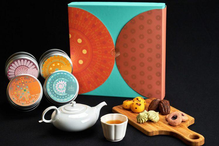 台南晶英將熱門法式甜點納入月餅禮盒中,「月耀法頌」每盒780元。圖/台南晶英提供