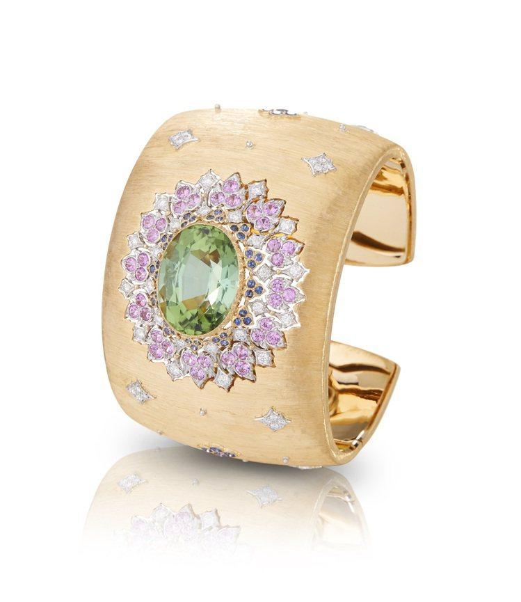 LILIUM手環對稱、和諧的結構,隱約帶有義大利古都的建築氣韻,價格店洽。圖 /...