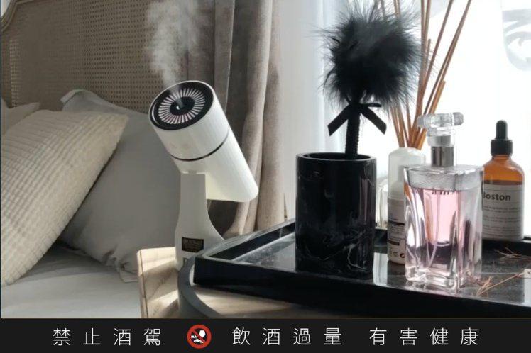 「DAir空間除菌噴霧機」可用來日常消毒清潔、淨化室內環境及衣物除菌。圖/大盛酒...