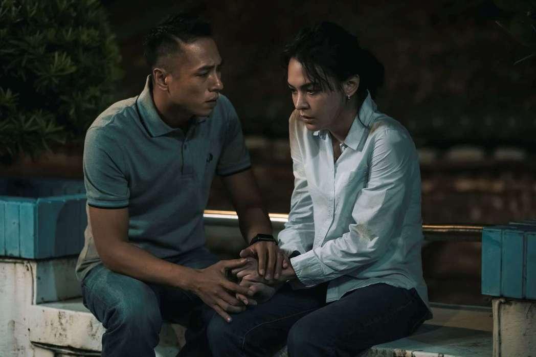 莊凱勛(左)、張榕容在「第三佈局 塵沙惑」展開感情線。圖/CATCHPLAY提供
